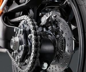 2014-KTM-1290-Super-Duke-R-13