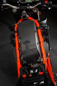 2014-KTM-1290-Super-Duke-R-chassis-15